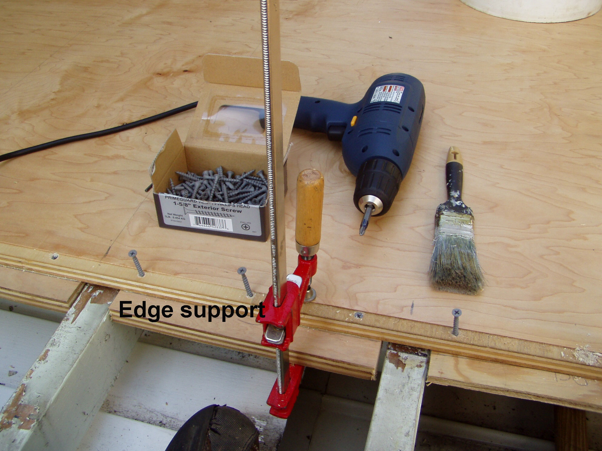 Edge support installation